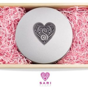 Sari Cake Box pewter label