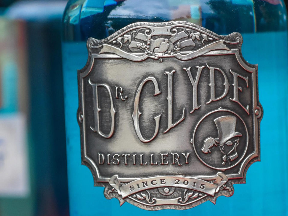 dr clyde pewter label